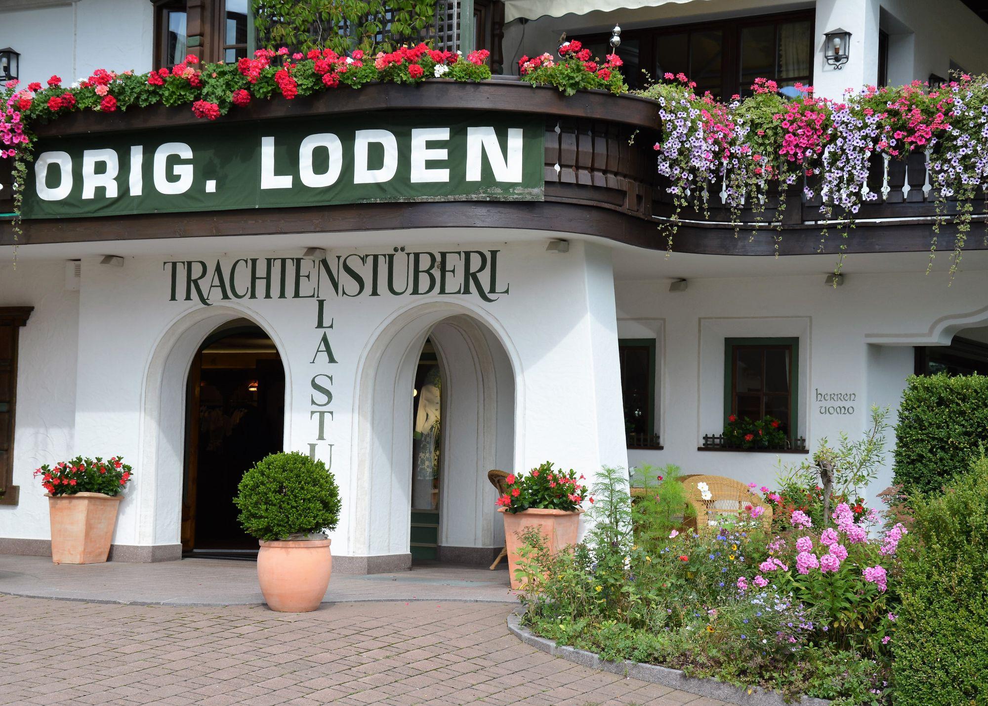 trachtenstuberl-1587655451.jpg